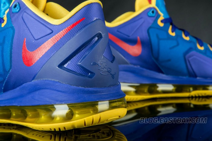Nike LeBron XI 11 Low Superman (4)