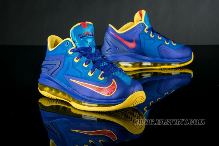 Nike LeBron XI 11 Low Superman (5)